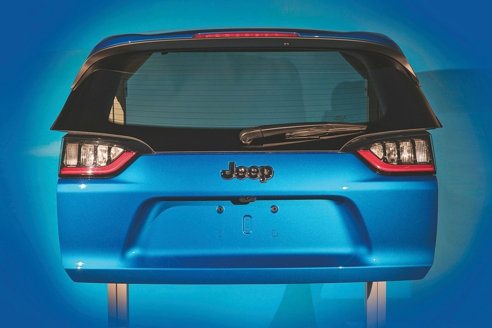 Fiat Chrysler Automobiles (FCA) 2019 Jeep Cherokee Liftgate